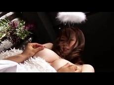 <仁科百華>天使の服を着た美女が四つん這いでフェラチオ!