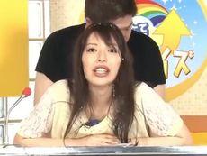 桜井彩 ぶっかけ顔射!美人ニュースキャスターに生放送中に精液まみれにする危険な企画