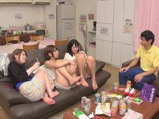 男は僕以外全員女性のシェアハウスで王様ゲーム!田舎から上京し、安いという理由で選んだシェアハウスの他の住人がまさか