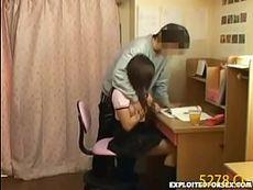 巨乳おっぱいJKとちがうお勉強がしたくてたまらない家庭教師。普通に勉強したい女子はあちこち触られるう